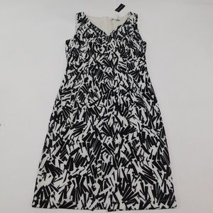 White House Black Market 8 Black White Shift Dress